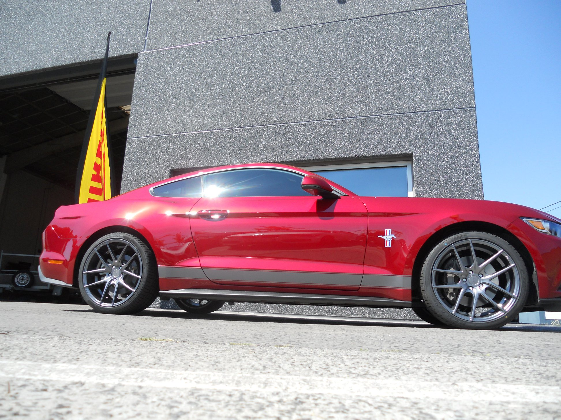 "Ford Mustang - 20"" Niche Misano"